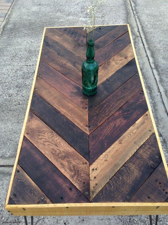 25 Reclaimed Wood Table Ideas