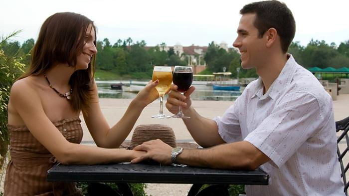 Bersama Pasangan (Sumber : cdn2.tstatic.net)