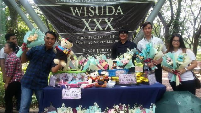 Bisnis souvenir di musim wisuda | https://www.hipwee.com/