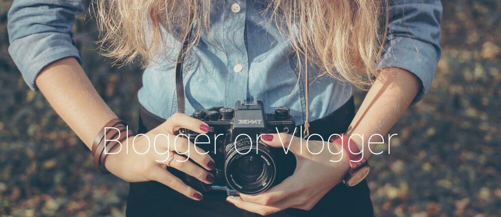 Menjadi Blogger atau Vlogger | http://www.isaumya.com