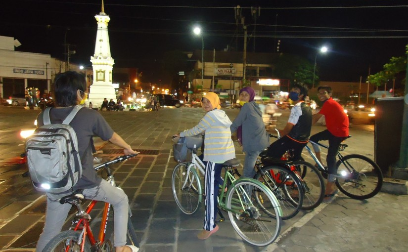 Gowes ke kota untuk menikmati indahnya malam | http://www.hardikadwihermawan.blogspot.com