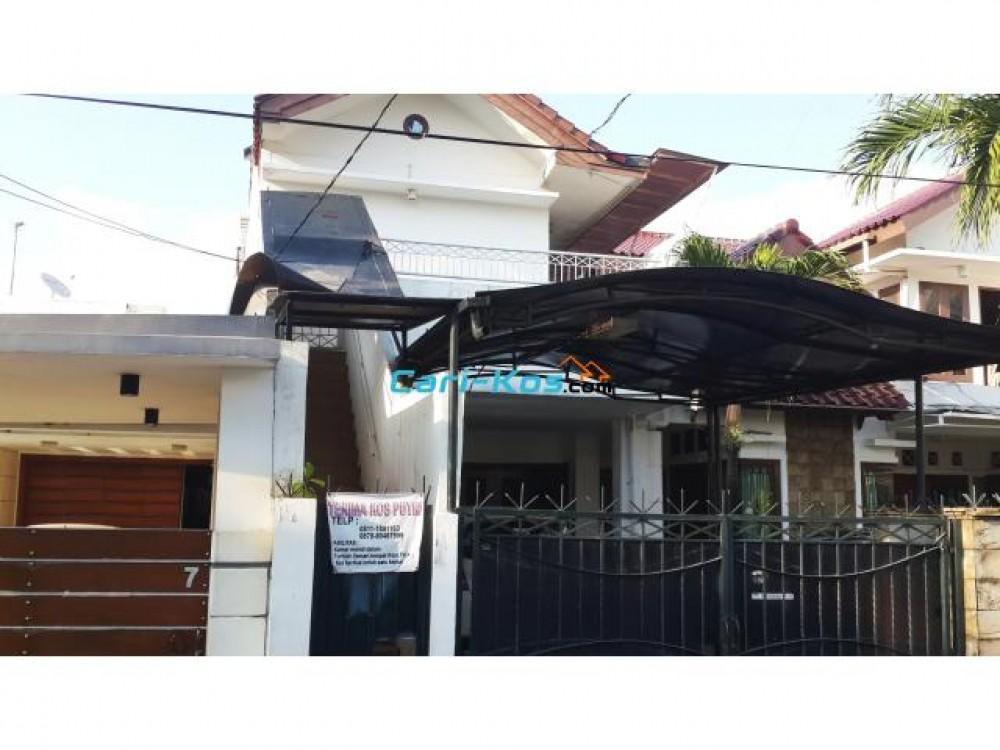 """Kos Putri """" Ibu Sepuh"""" di Cipete /Cilandak Jakarta Selatan ..."""