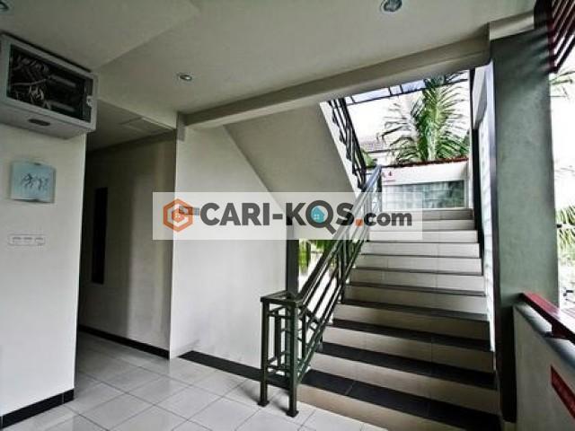 D'Palm Exclusive Home Stay - Dekat BINUS, UNIV ESA UNGGUL, MALL CP DAN MALL TA