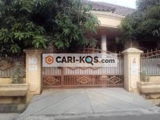 Kost ibu Sri irjanti - Dekat Jl. I Gusti Ngurah Ray, Carefour, Mall Klender, RS, RM, Apotik.