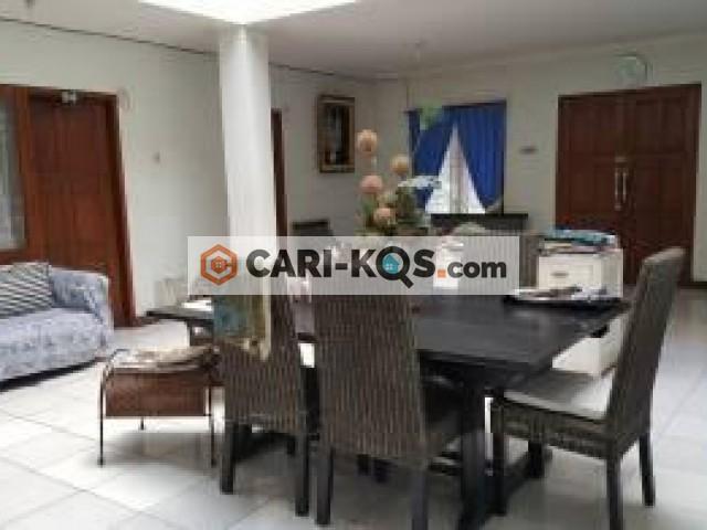 House of Amayllis - Dekat Mall Kasablanka dan Ambassador
