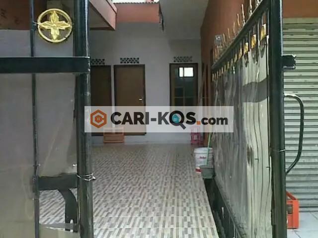Kost Simatupang Dekat Gerbang Tol JORR, Arcadia & Aston Hotel
