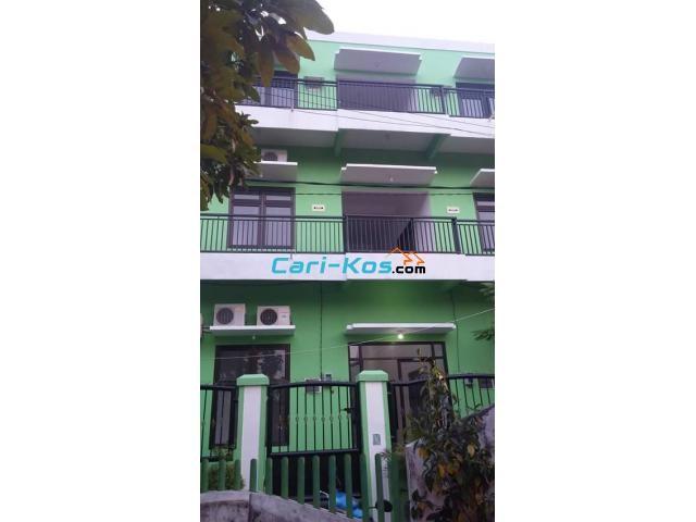 hotel homestay guest house la_febrian jl.kebonsari 15a