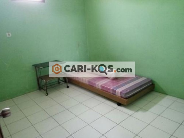Rumah Kost Bapak Jeff - Dekat Mall PGC, Stasiun KRL Cawang & Kalibata dan Kampus UKI